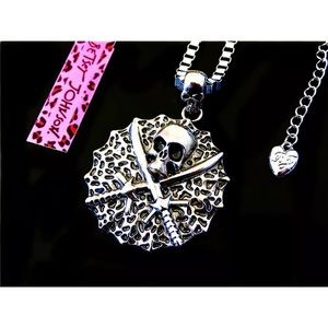 Betsey Johnson skull medallion necklace, NWT